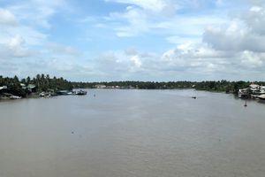 Bến Tre: Đầu tư khẩn cấp tuyến đê bao ven sông Hàm Luông
