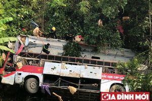 Vụ xe khách lao xuống vực ở Cao Bằng: Tài xế khai xe mất lái, tai nạn sau 30 phút đổi ca