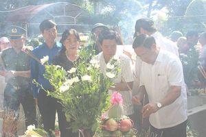 Trang trọng tổ chức Lễ giỗ 50 năm ngày hi sinh của 10 nữ Liệt sĩ TNXP Ngã ba Đồng Lộc