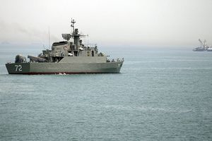 Đối đầu sức ép, Iran cảnh báo sẽ 'ra tay' tại eo biển Hormuz