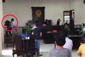 Nhà báo bị đánh ở tòa Bình Chánh đã giao 3 clip cho công an