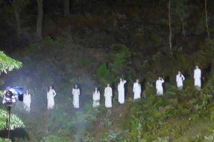 Thực hư hình ảnh 10 cô gái mặc áo trắng trên đồi thông...Đồng Lộc