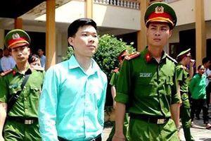 Vụ tai biến chạy thận tại Hòa Bình: Thu hồi chứng chỉ hành nghề của bác sĩ Hoàng Công Lương