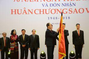 Liên hiệp các Hội Văn học Nghệ thuật Việt Nam nhận Huân chương Sao Vàng