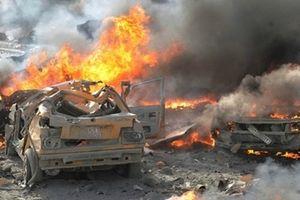 Khủng bố ồ ạt đánh bom liều chết ở Nam Syria, 38 người chết