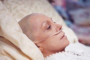 Giải pháp nào cho bệnh nhân ung thư không thể hóa xạ trị ?