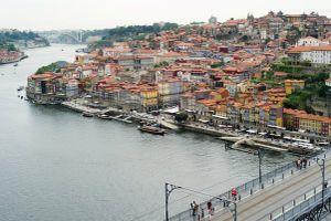 Kinh tế Bồ Đào Nha hồi sinh nhờ 'kháng lệnh' thắt lưng buộc bụng