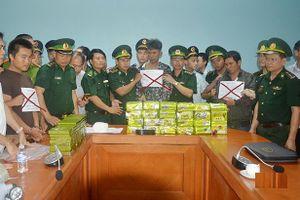 Chuyên án ma túy 'khủng' ở Hà Tĩnh: Lật tẩy thủ đoạn cắt rừng vận chuyển 'cái chết trắng' qua biên giới