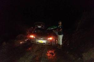 Vượt bùn lầy tiếp cận hiện trường vụ vỡ đập thủy điện tại Lào