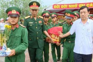 Truy điệu và an táng 12 hài cốt liệt sĩ tìm thấy ở Quảng Trị