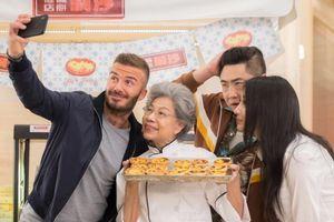 David Beckham 'gây bão' vì bánh tart trứng Macau