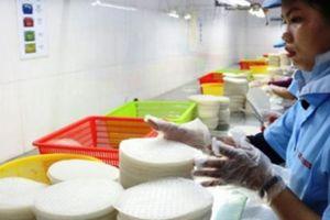 Cầu kỳ làm bánh tráng bán sang 35 nước