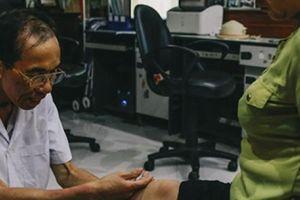Bác sĩ thương binh chế tạo bộ phận cơ thể tặng 600 người khuyết tật