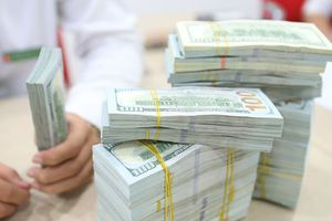 Ngân hàng thương mại tăng giá USD