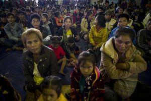 Xót xa cuộc sống người dân Lào sau vỡ đập: Thiếu lương thực, thiếu cả quan tài