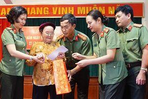 Tri ân Mẹ Việt Nam Anh Hùng tại xã Nhị Khê, huyện Thường Tín