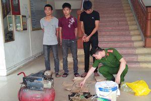 Mánh khóe sản xuất, lừa bán bạc giả của 3 thanh niên