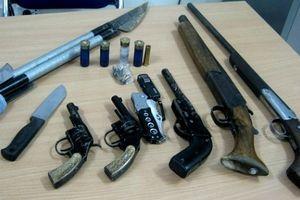 Bình Dương: Bắt nhóm người tàng trữ , buôn bán vũ khí trên mạng xã hội