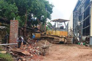 Thanh Hóa: Tường rào nhà máy đổ sập, đè chết 2 công nhân