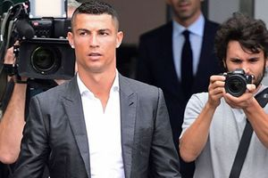 Ronaldo cùng lúc nhận hai tin vui trước mùa giải mới