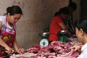Giá thịt lợn 'trên trời', dân than, doanh nghiệp cười