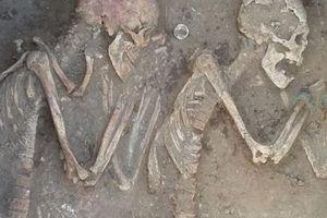 Kazakhstan: Cặp đôi nằm bên nhau suốt 5.000 năm dưới mộ