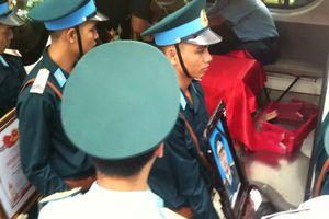 Hình ảnh xúc động tại Lễ viếng và Lễ truy điệu 2 phi công Su-22U tại Nghệ An