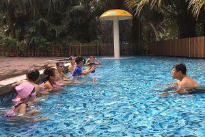Lớp bơi miễn phí của Ðoàn