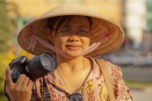 Cô hướng dẫn viên du lịch bỏ lương nghìn đô để khởi nghiệp với trái dừa cười