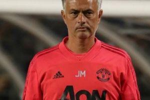 M.U thua bạc nhược, HLV Mourinho đổ lỗi cho trọng tài