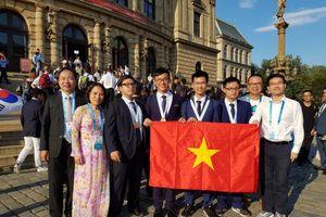 Cả 4 học sinh Việt đoạt huy chương Olympic Hóa học quốc tế năm 2018