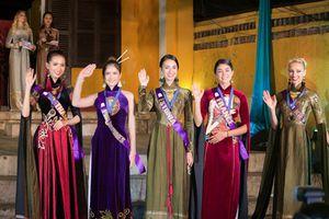 Dàn thí sinh Hoa hậu đại sứ du lịch Thế giới 2018 duyên dáng trong tà áo dài Việt