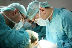 Hy hữu: Mổ đẻ cho bệnh nhân, bác sĩ tá hỏa vì không thấy thai nhi