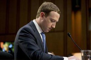 Cổ phiếu tụt dốc, ông chủ Facebook ngậm đắng rời khỏi Top 5 người giàu nhất thế giới