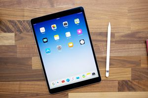 iPad Pro 2018 sẽ có kích thước nhỏ hơn, bỏ jack headphone và được thiết kế để dùng theo chiều dọc