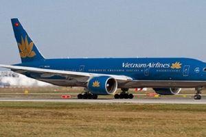 Máy bay VNA hạ cánh lệch vị trí tại sân bay Nội Bài
