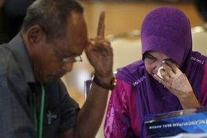 Người thân rơi lệ khi nghe thông báo kết luận cuối cùng về MH370