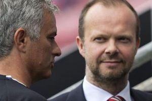 Chuyển nhượng M.U: HLV Mourinho 'nóng mắt' với Ed Woodward