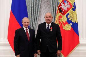 Tổng thống Nga trao tặng Huân chương Alexander Nevsky cho HLV Cherchesov