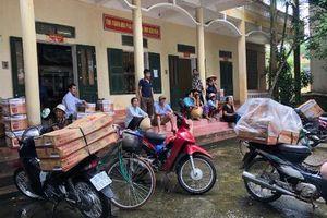 Dân vây trụ sở xã vì lãnh đạo giới thiệu mua hàng kém chất lượng