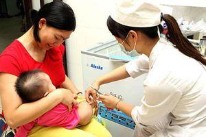 Nên đưa vắc xin Rota vi rút vào tiêm chủng mở rộng?