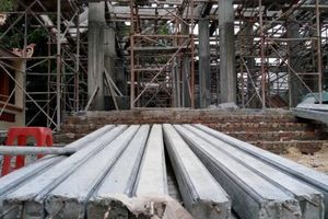 Hà Nội đình chỉ xây dựng công trình bê tông hóa di tích 300 năm tuổi
