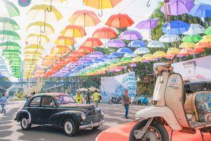 Hàng trăm xe cổ đổ về Sài Gòn