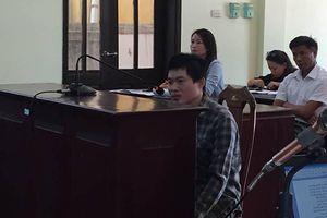 Bị cáo được ngồi khai suốt phiên tòa