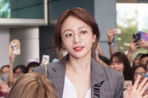 'Nữ hoàng fancam' Hani và nhóm EXID nổi bật khi đến Sài Gòn