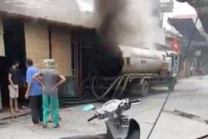 Thùng xe bồn phát nổ, thợ hàn bị văng ra tử vong