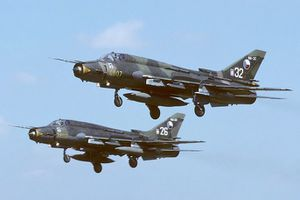 Nhìn lại những vụ rơi máy bay quân sự Su-22 trên thế giới