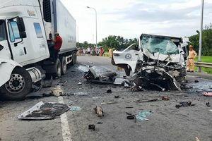 Tiết lộ bất ngờ về chiếc xe đón dâu đâm xe đầu kéo làm 13 người tử vong