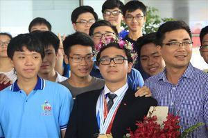 Nam sinh duy nhất giành HCV Olympic Hóa học 'sẽ ở lại làm lao động' nếu bị đổi màu huy chương