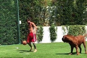 Xem Messi tập luyện với 'quân xanh' đặc biệt